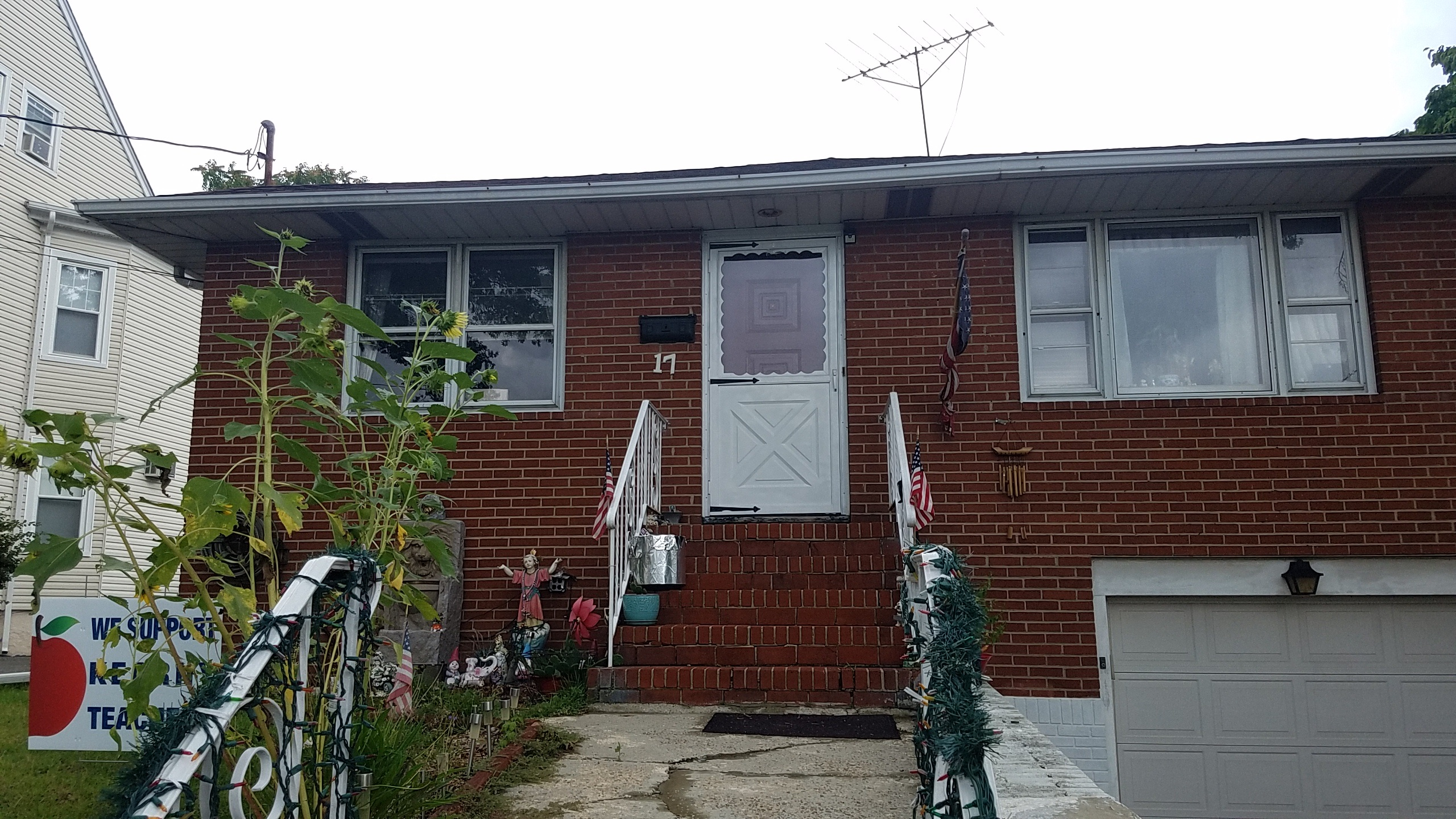 SOLD- 17 STUYVESANT AVE, KEARNY, NJ 07032 – $260,000