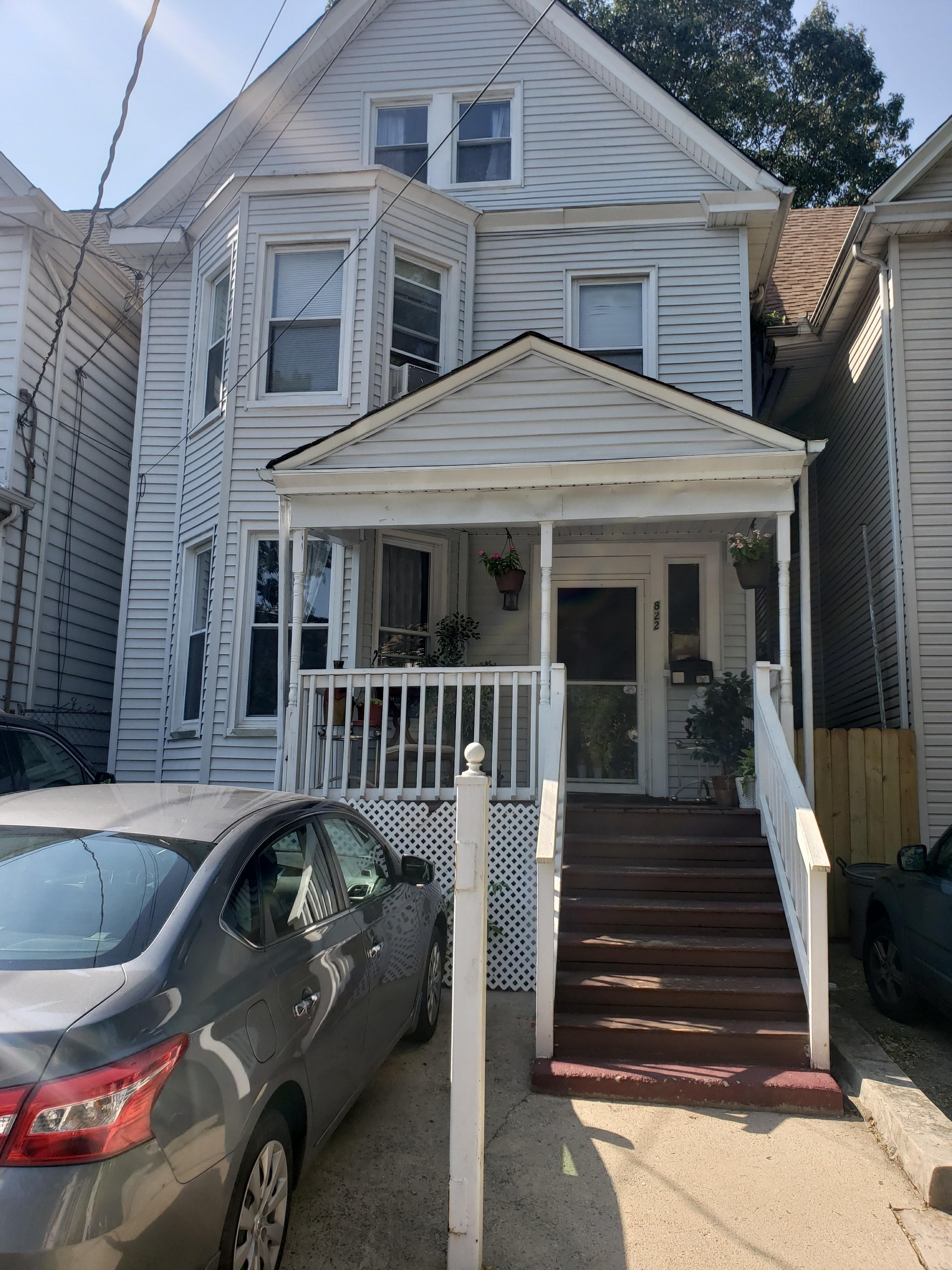 [NEW LISTING] 822 Ridge St. Newark, NJ 07104 $365,000